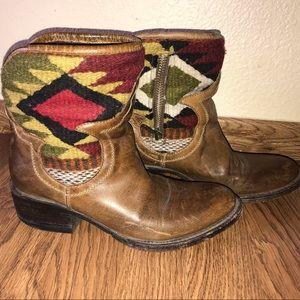 Freebird Medium-Worn low boot Size 6